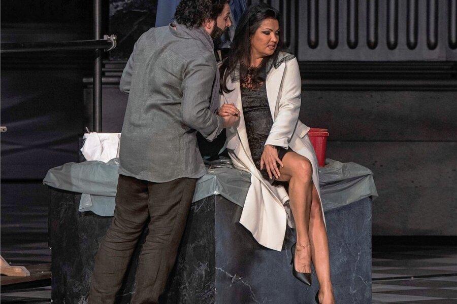 """Anna Netrebko (im Bild mit Yusif Eyvazov) glänzte in Salzburg einmal mehr in der Oper """"Tosca"""" von Giacomo Puccini."""