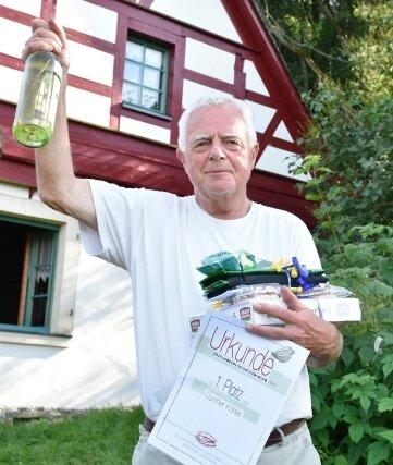 Günther Köhler aus Falkenstein wurde Sieger im Streuobstwiesenwettbewerb.