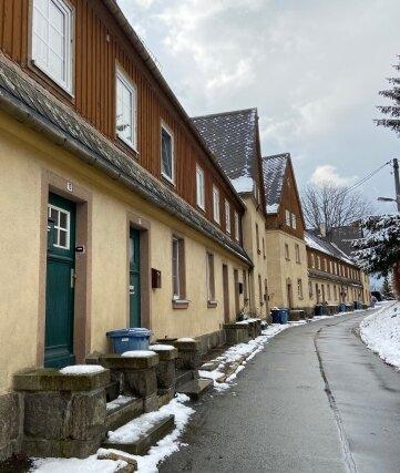 In den Reihenhäusern der Esda-Siedlung will der neue Eigentümer modernen Wohnraum für junge Familien schaffen.