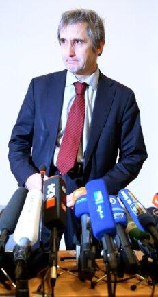 Frank Richter, Leiter der Landeszentrale für politische Bildung, vor der umstrittenen Pegida-Pressekonferenz in seinem Hause.