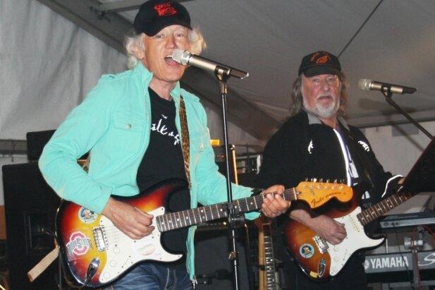 Mit ihren Riffs sorgten die Gitarristen des Ohio-Expresses für Stimmung.
