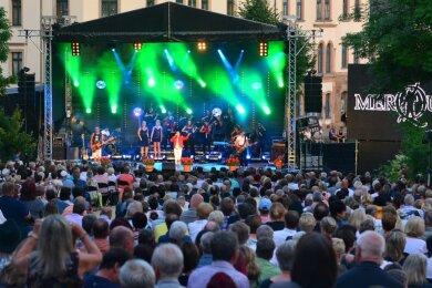 Mehr als 1000 Besucher waren im Vorjahr zum Klanglichtzauber auf den Technikumplatz in Mittweida gekommen. Das traditionelle Eröffnungskonzert des Mittelsächsischen Kultursommers ist nun verschoben. Neuer Termin für den Auftritt von Johnny Logan und der Vogtland Philharmonie ist der 19. Juni 2021.