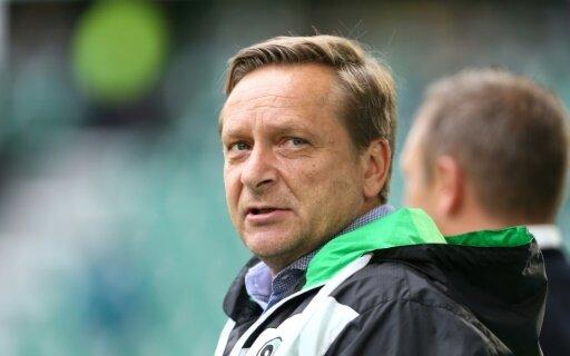 Horst Heldt kritisiert die Spielansetzungen der DFL