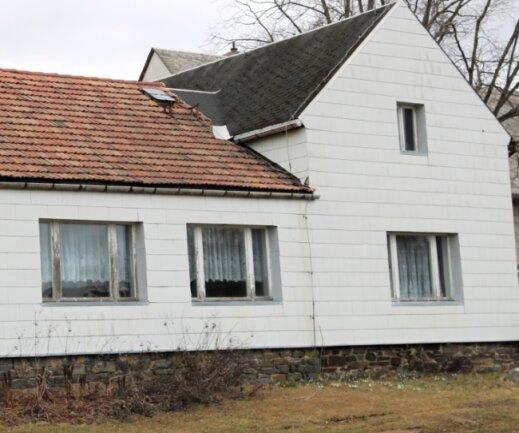 Der ehemalige Kindergarten könnte zum Vereinshaus von Görbersdorf werden. Zunächst muss das Gelände vermessen werden.