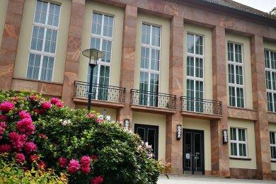 Der Erzgebürger ist am Freitag im Kulturhaus Aue an zwölf Preisträger verliehen worden.