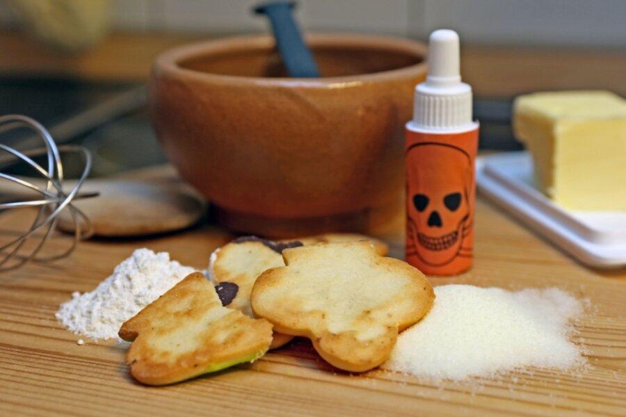 Mit Blei in Backwaren soll eine Frau mehrere Ehemänner vergiftet haben.