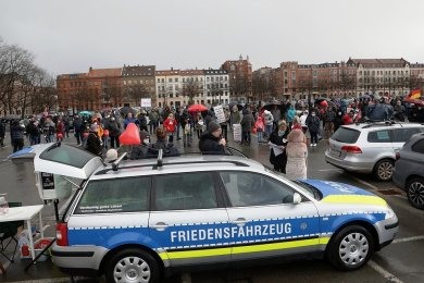 Auf dem Platz der Völkerfreundschaft demonstrierten etwa 265 Menschen.