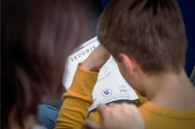 Manche Schüler in Sachsen haben die Halbjahresinformation schon, andere bekommen sie erst Anfang März.