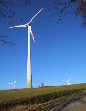 Windkraftanlagen zwischen Weigmannsdorf und Berthelsdorf.