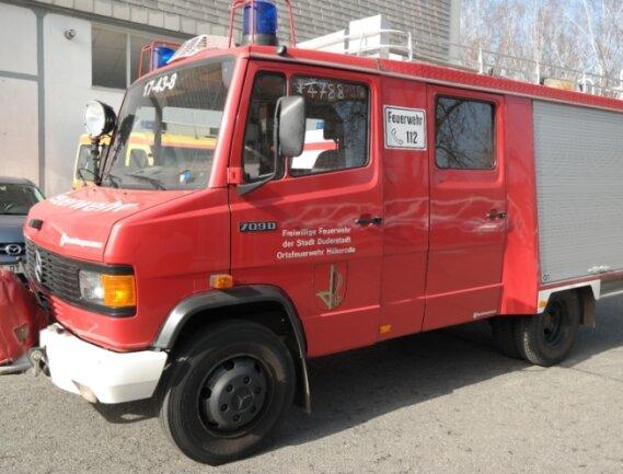 Wie wär's mit einer Feuerwehr in der Garage? Dieser Mercedes Benz 709D Schlingmann LF8, Baujahr 1989, und 16 weitere Fahrzeuge werden bei einer Online-Auktion am Freitag aufgerufen.