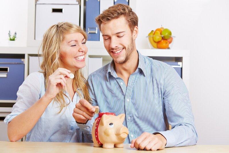 Auch eine Möglichkeit der Studienfinanzierung: ein prall gefülltes Sparschwein.