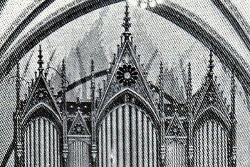 Die historische Aufnahme zeigt die Silbermann-Orgel in der Mylauer Stadtkirche.
