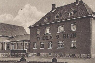 Bild des Cainsdorfer Turnerheims - ein Ölgemälde, das dieses Motiv zeigt, ist bei Bauarbeiten aus dem Turnerheim verschwunden.