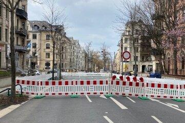 Ab der Rudolf-Breitscheid-Straße ist die Barbarossastraße wegen Bauarbeiten voll gesperrt.