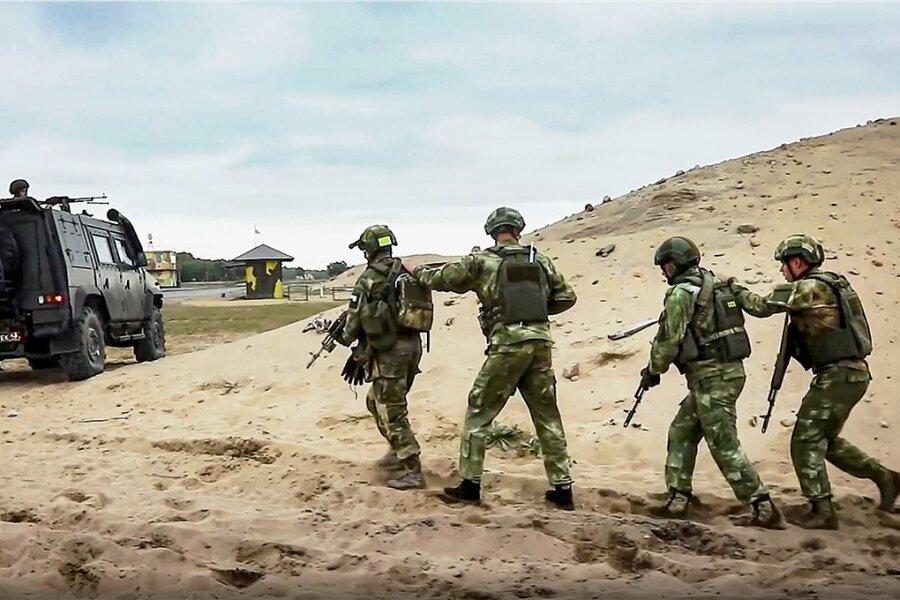 Gemeinsame Militärmanöver von Soldaten aus Russland und Belarus sind wie hier im vergangenen Jahr im belarussichen Brest keine Seltenheit.