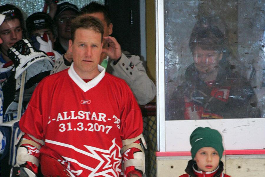 Guy Phillips vorm Benefizspiel mit einem All-Stars-Team am 31. März 2007 im Sahnpark-Stadion.
