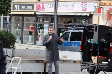 NPD-Politiker Stefan Hartung bei einer Kundgebung am 1. Mai.