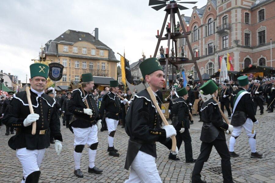 300 Teilnehmer bei Bergparade in Stollberg
