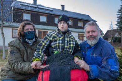 """Dank """"Leser helfen"""" hat sich am und im Haus von Silke, Julian und Helge Krauß im Jahr 2020 viel getan. Seit November haben sie unter anderem ein neu gedecktes Dach."""