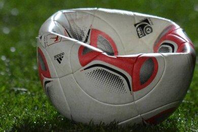 Die Luft ist raus, der Sächsische Fußballverband hat festgelegt, die Saison auf Landesebene für Frauen-, Männer- und Nachwuchsteams zu beenden.