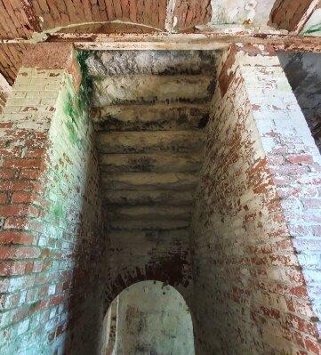 Gewölbe und Granitstufen wie diese sollen laut Behörde erhalten werden.
