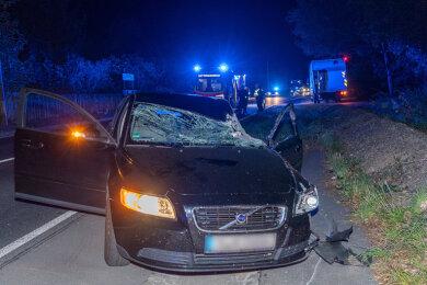Bei einem Unfall auf der B 169 zwischen Auerbach und Rodewisch sind am Mittwochabend drei Insassen eines Volvo leicht verletzt worden.