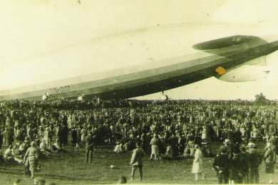 Vor 90 Jahren setzte ein Zeppelin am Windmühlenweg in Brunn auf.