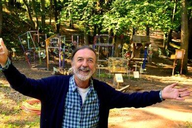 """Pier Giorgio Furlan im 2018 wieder eröffneten Schlosspark im Kulturzentrum Rittergut Ehrenberg. Am Samstag beginnt dort 15 Uhr unter dem Titel """"Metamorphosen und Mozart"""" wieder eine Veranstaltung."""
