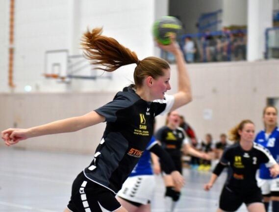 Lena Hübler, hier in einer früheren Partie, erzielte gegen den TSV Lichtentanne fünf Tore. Zum Heimsieg reichte es aber nicht.
