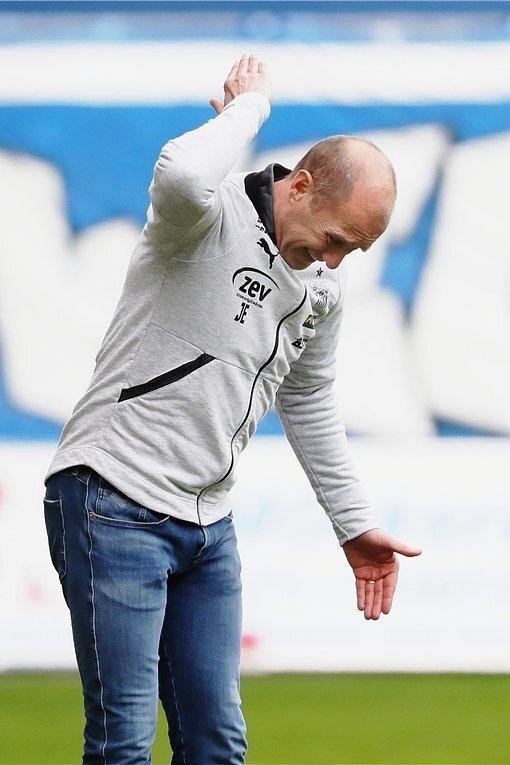Zwickaus Trainer Joe Enochs war nach dem Sachsenpokal-Aus stinksauer.
