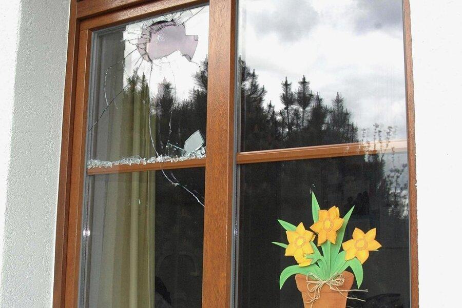 In zwölf Fällen sind im Juli in Freiberger Schulen Scheiben eingeschlagen worden - hier ein Illustrationsfoto.