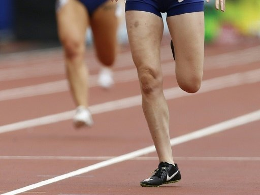 Lindy Ave holt Gold über 400 m in persönlicher Bestzeit