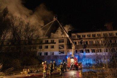 In der Nacht zum Sonntag brannte das leere frühere Hotel Glück auf nahe der Falkensteiner Talsperre.