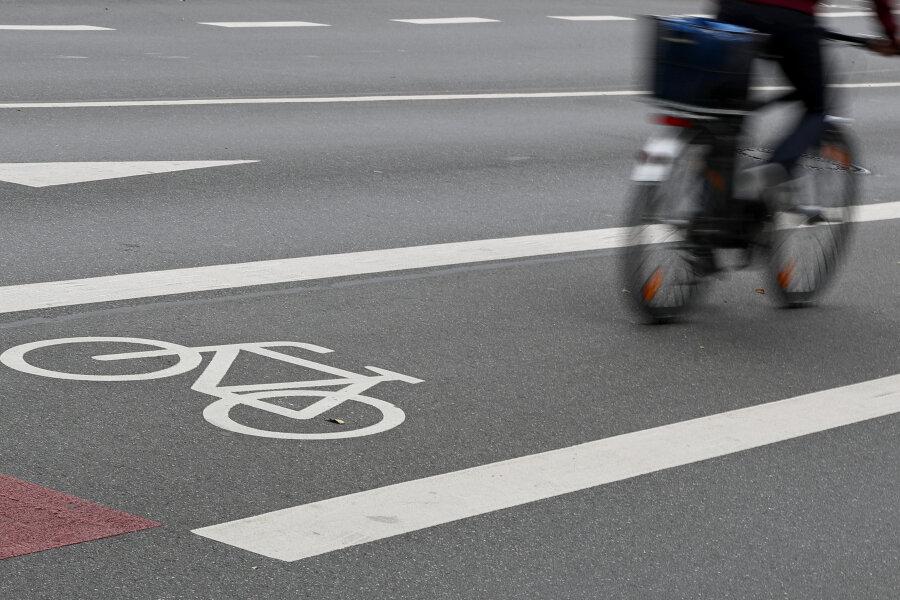 Parken, Überholen, Abbiegen: So soll Radfahren sicherer werden