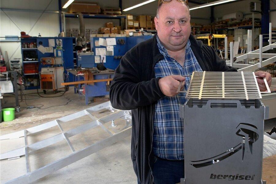 Peter Riedel erobert mit seiner Firma den regionalen Markt unter anderem mit Feuerkörben.