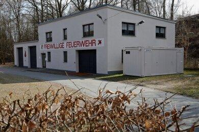 Streitpunkt: Die Fraktion Linke/Pro HOT wollte, dass die Sanierung der Feuerwache in Hüttengrund (im Bild) vorgezogen wird. Die AfD unterstützte diesen Antrag. Er fand dennoch keine Mehrheit.