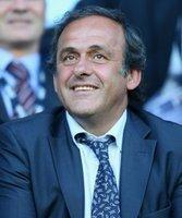 Michel Platini stärkt der Bundesliga den Rücken
