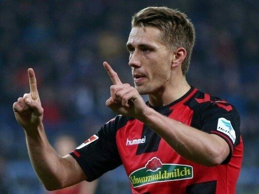 Nils Petersen siegt mit Freiburg im Elfmeterschießen