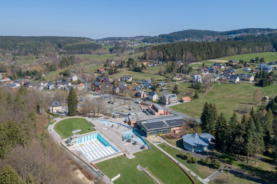 Das Waldbad Brunn soll wieder ganzjährig betrieben werden - dafür machen sich Bürger stark.