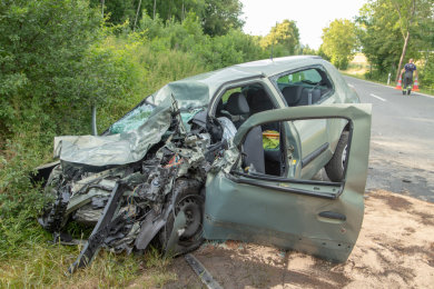 Bei dem Unfall wurde die Fahrerin schwer verletzt.