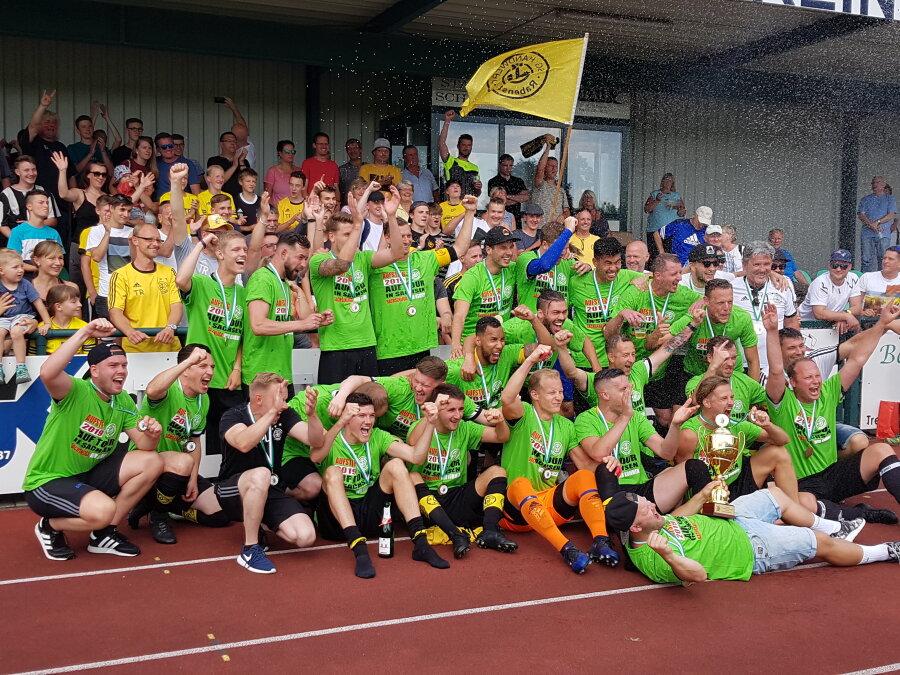Rabensteiner feierern Meisterschaft und Aufstieg  Fußball-Landesliga