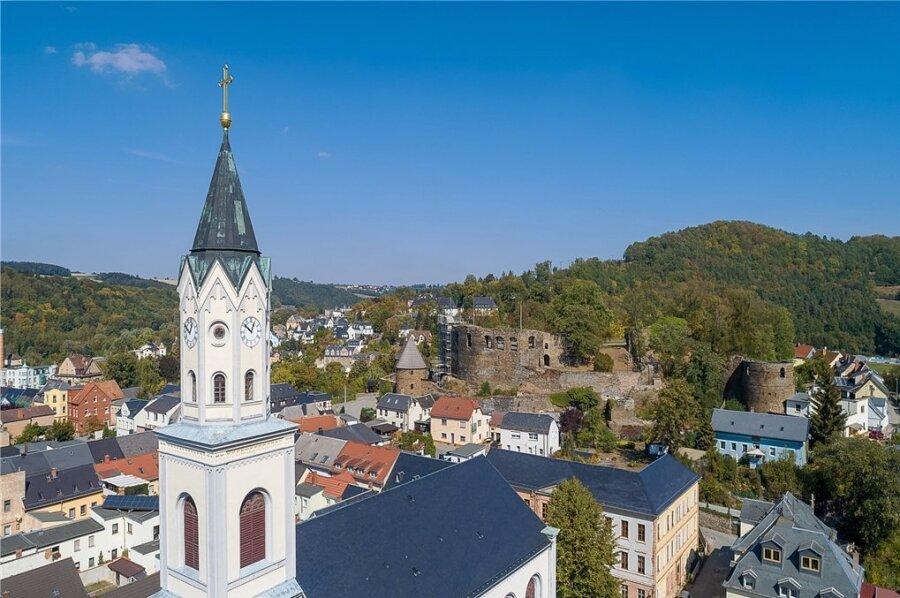 Die Stadt Elsterberg sieht sich mit immer mehr Coronafällen konfrontiert und verschärft nun die Schutzmaßnahmen. Foto: David Rötzschke/Archiv
