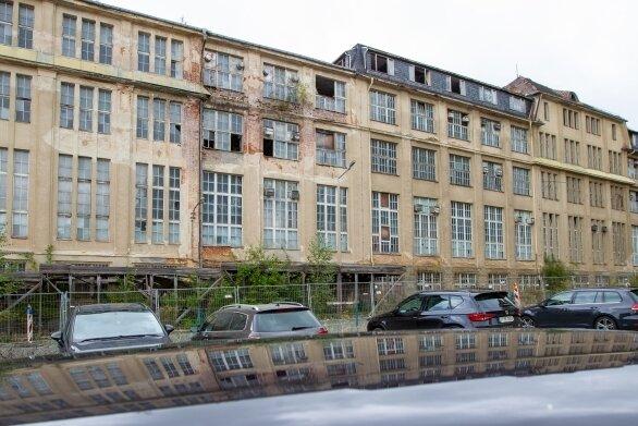 Das Gebäude an der L.-F.-Schönherr-Straße wurde nach einem Entwurf von Horst Oehler gebaut. Es ist inzwischen abgerissen.