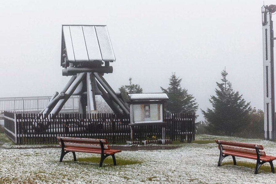 Schnee: Erste Flocken auf Fichtelberg