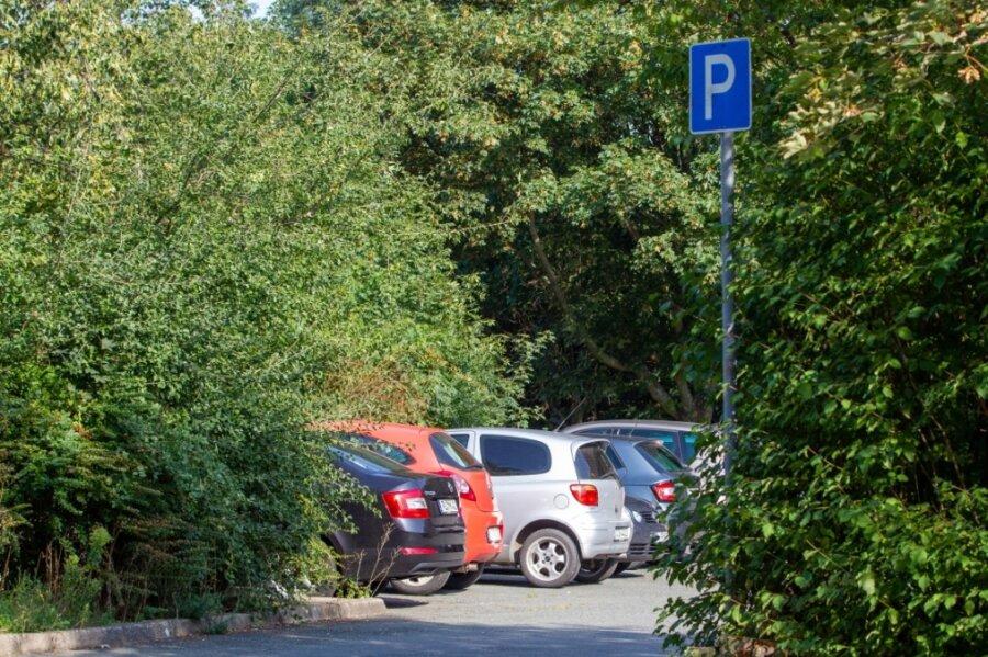 Der Parkplatz an der Hohen Straße in Plauen. Auch hier hat sich der 20-Jährige versteckt und vor Kindern die Hosen runtergelassen.