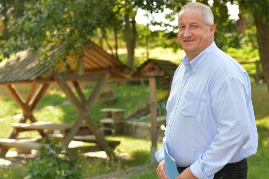 Mike Moncsek möchte als Bürgermeister ins Rathaus von Augustusburg einziehen. Hier entspannt er sich im Ortsteil Grünberg.