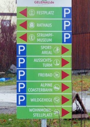 In einheitlichem Design sollen die Schilder Besucher zu den Sehenswürdigkeiten in Gelenau führen.