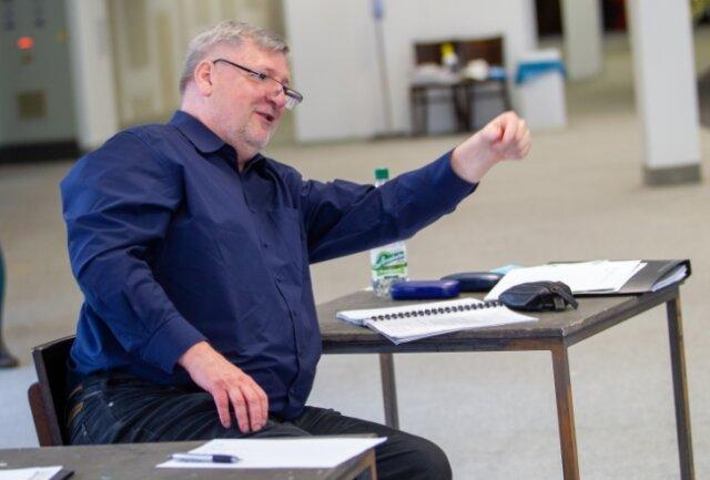 Theaterintendant Roland May ist auch als Regisseur in seinem Element.