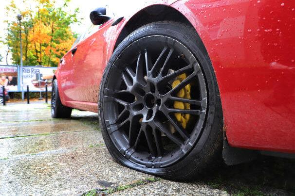 Zerstochene Reifen in Zwickau: Polizei ermittelt in 23 Fällen