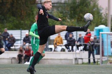 Steve Nierobisch erzielte gegen Oelsnitz den einzigen Treffer für den Meeraner SV, der bisher erst einen Punkt holen konnte.